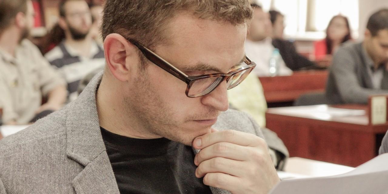 """Volumul """"Miron Constantinescu. O biografie"""", de Ștefan Bosomitu, prezentat la emisiunea """"Omul care aduce cartea"""" (ProTV), din data de 26 martie 2015"""